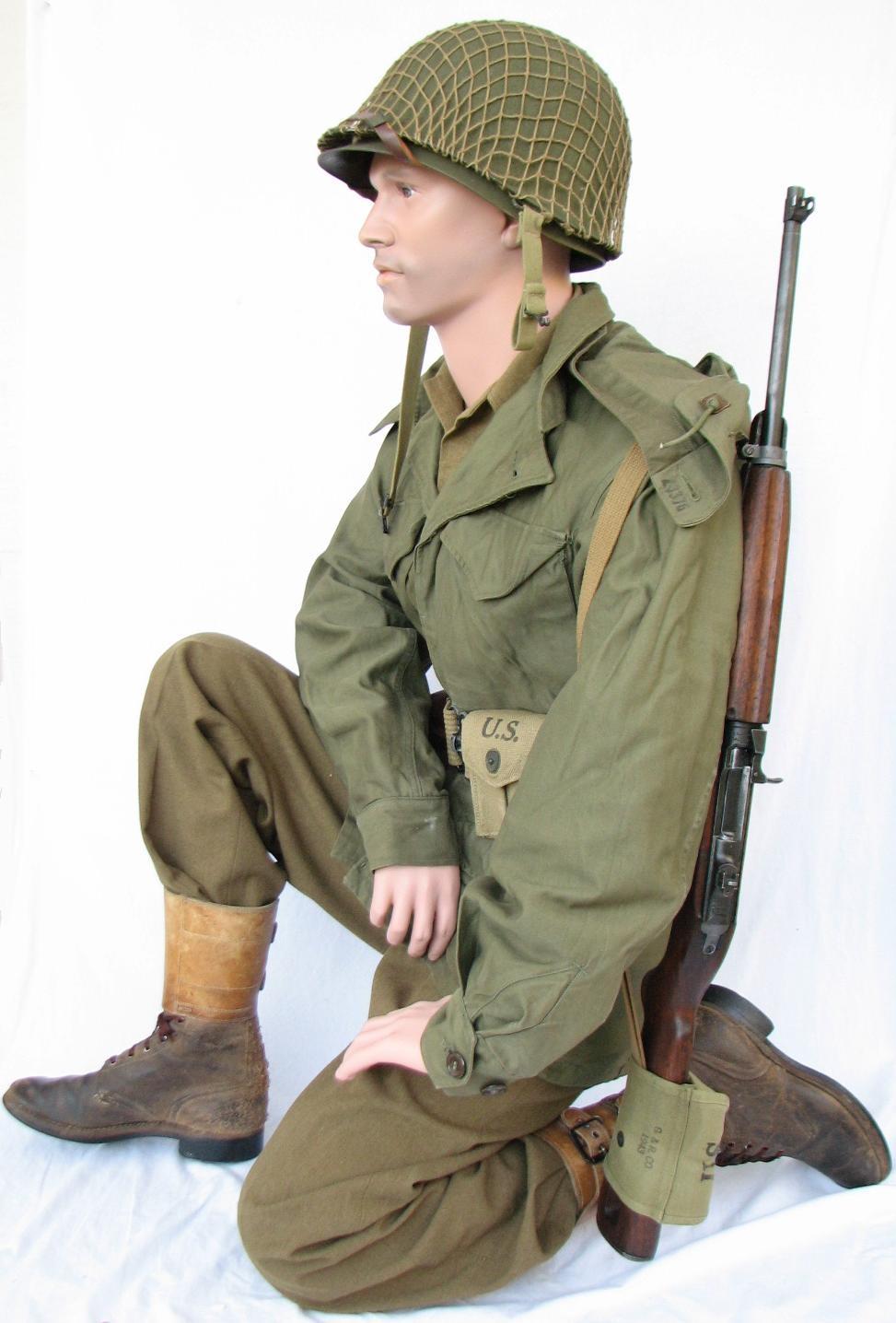 Military Kneeling Mannequin MSG01 - Yanks Mannequins, LLC